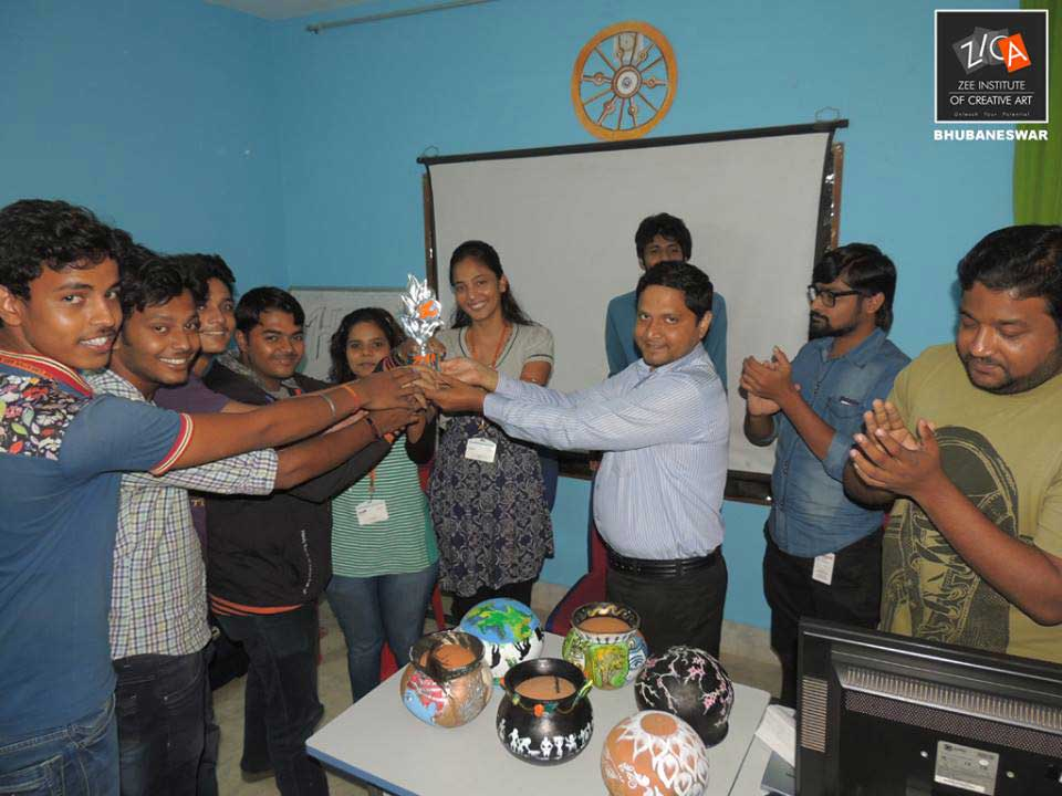 ZICA Bhubaneswar Student activity - Pot Painting Image 2